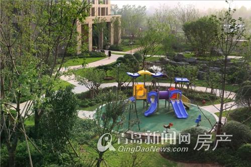 绿城小区内的儿童游乐设施