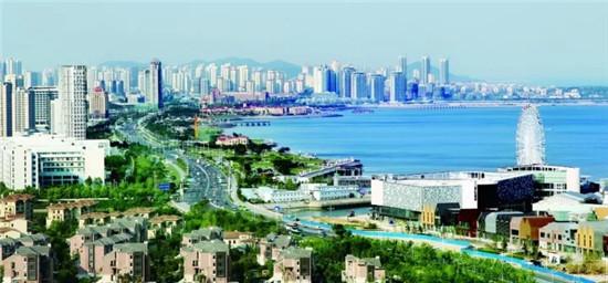 实拍青岛西海岸新区 十里海岸线似一幅风景画