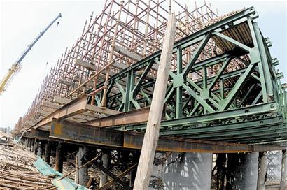 海湾大桥接线工程加快推进