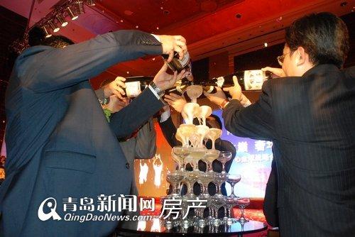 香槟塔倒酒庆祝-青岛新闻网