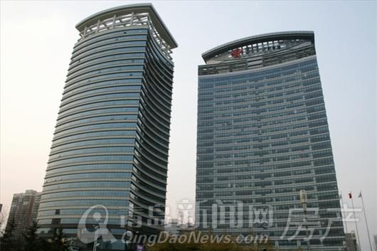 两栋超高层住宅塔楼