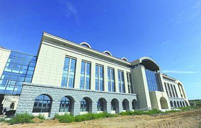山大青岛校区主体教学楼完成验收 2016年开始招生图片