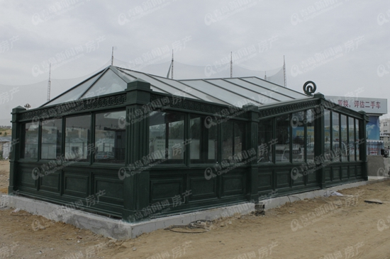 http://house.qingdaonews.com/gb/images/attachement/jpg/site1/20150820/3859f9e3fe071740395105.jpg /enpproperty--> 8月20日起至26日,《青岛市城市轨道交通线网规划调整》(2015年)面向社会公示。根据规划,2020年,青岛市轨道交通将由11条轨道交通线路组成。而作为编制这张宏大交通网的第一条线,地铁M3号线已经全面进入装修阶段,双山站到火车北站的北半段将于今年年底通车试运营。
