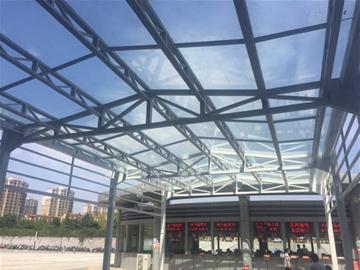 海岸汽车站建 风雨连廊 阶段升级改造将完成