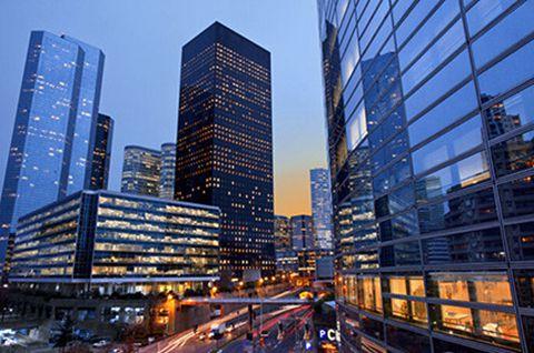 商业地产面临高库存和电商双重夹击 行业寻求