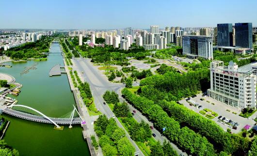 三里河周边的胶州新城区,集聚了众多品牌房企项目.图片